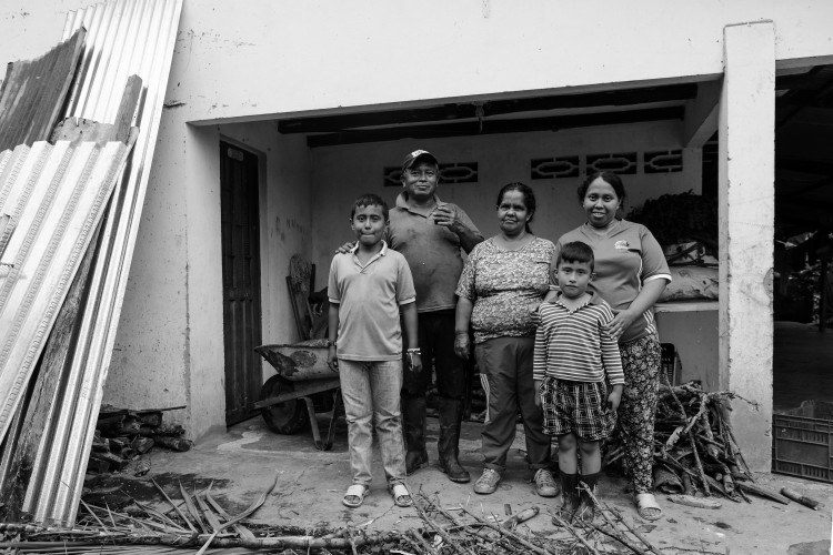 En Colombie, une partie importante de la production agricole et alimentaire est organisée en famille. Les tâches sont réparties entre les membres de la famille et la communauté.