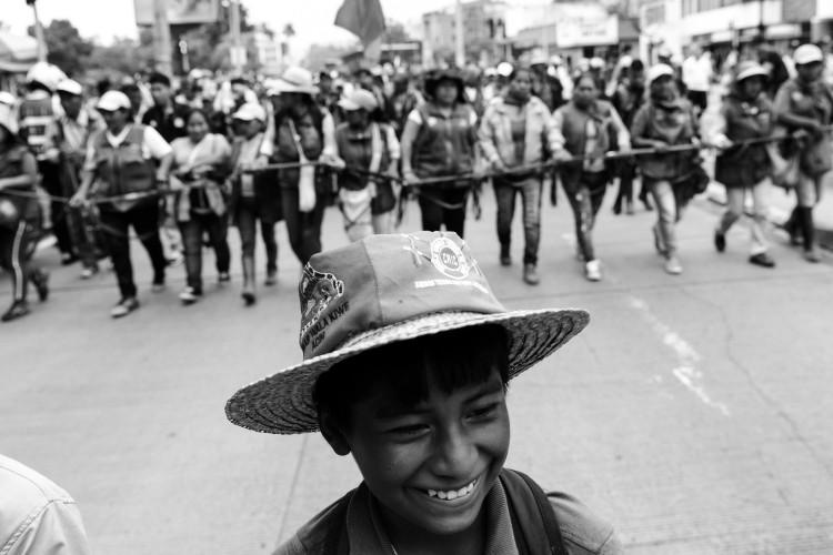 En 2018, étudiant·e·s, professeur·e·s et syndicats manifestent contre les coupes budgétaires dans l'enseignement. Les indigènes rejoignent le mouvement de protestation.