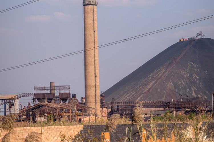 Les sites majeurs de la Gécamines, comme celui de Lubumbashi, pourtant encore partiellement fonctionnel, ne ressemblent qu'à un tas de ferrailles rouillées et abandonnées.